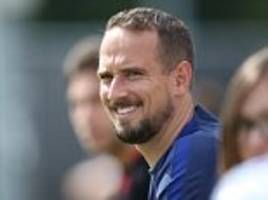 England women's boss Mark Sampson banking on beach time