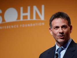 DAVID EINHORN: Tesla bulls look at Elon Musk and think of Steve Jobs, but Tesla is not Apple (TSLA, GM, APPL)