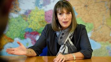 carolyn mccall: from airline to airwaves
