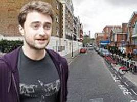 daniel radcliffe aids tourist mugged by moped thugs