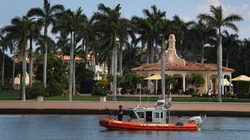 Homeland Security Now Has To Give Up Trump's Mar-A-Lago Visitor Logs
