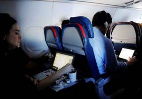 US ends laptop ban on Middle Eastern airlines