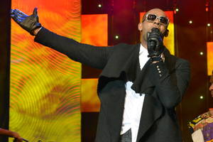 R Kelly Accused of Physically Abusing, Controlling Women in 'Cult': Report