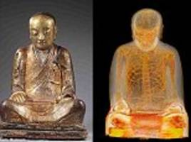 The golden Buddha statue that contains a mummy