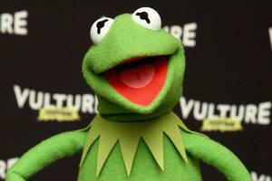 kermit actor sent messages 'attacking everyone,' says jim henson's son