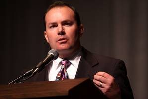 Sen. Mike Lee Reverses, Now a Yes to 'Repeal' after 'Replace' Portion Dropped
