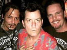 johnny depp, charlie sheen and kevin dillon reunite