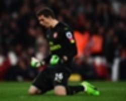 cech's awful penalty record a worry as martinez shows he's arsenal's future