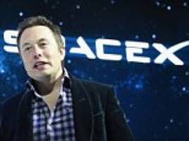elon musk wants moonbase to 'fire up' interest in space