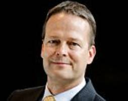akzo boss ton buchner quits after war with hedge fund