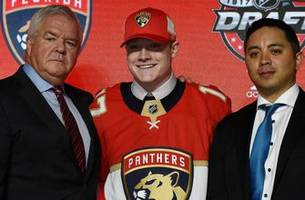 panthers agree to entry-level contract with first-round pick owen tippett