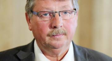 dup's sammy wilson calls for 'straight answer' from brokenshire over allocation of £1bn secured in conservative deal