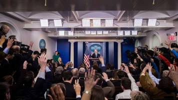 tweets praise reporter for streaming 'off-camera' white house briefing