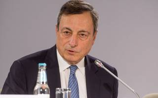 """Draghi says ECB will discuss changing monetary policy in """"autumn"""""""