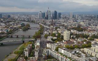frankfurt expects up to 20 banks to commit to city this year over brexit