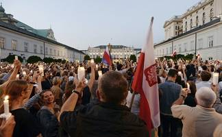 poland goes against eu by moving forward with supreme court overhaul