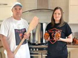 dan aykroyd sues british couple for their homemade sauce