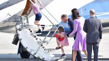 the duke and duchess of cambridge fly home after tour