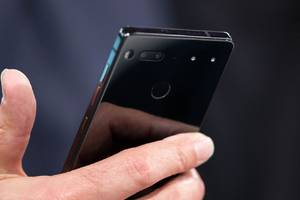 andy rubin says essential phone coming 'in a few weeks'
