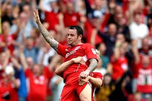 john pemberton weighs in on lee tomlin transfer - 'few know how to handle' a maverick