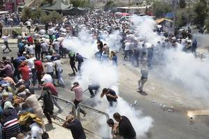 3 Palestinians Killed After Israel Bans Men Under 50 From Holy Site During Protests