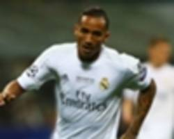 danilo leaves madrid training camp ahead of expected man city move
