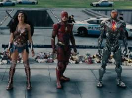 dc showed off a new 'justice league' trailer at comic con — and it looks epic