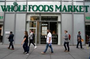 Democrats Urge Antitrust Action Against Amazon Over Whole Foods Deal