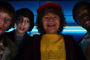 the new stranger things trailer is full of michael jackson and terror