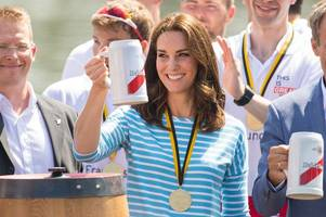 mayor of cambridge gave kate middleton a medal - in germany