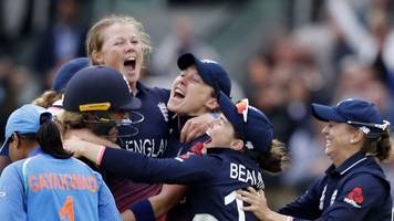 women's world cup: england beat india in tense finale to lift world cup