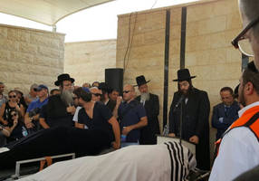 Thousands attend funeral of family members slain in Halamish attack