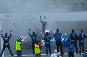 Kasey Kahne wins in overtime as Hamlin and Menard wreck | 2017 BRICKYARD 400