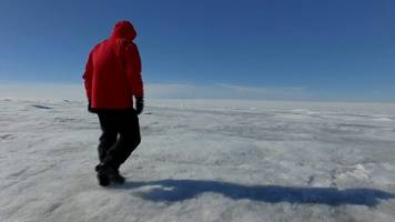 greenland ice sheet: how do you go the toilet?