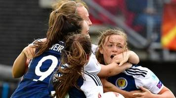 Women's Euro 2017: Erin Cuthbert backs Scotland to come good against Spain