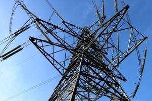 why there was a 'huge bang' and power outage in sileby