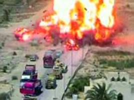egyptian tank crew 'saves 50 people' by crushing car bomb