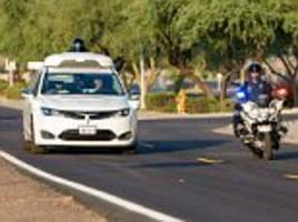 google teaches self-driving cars to see emergency vehicles