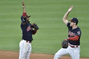 tomlin, indians win fourth straight, 6-2 over reds