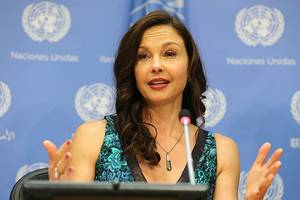 ashley judd says people want to 'squelch the general badassery of strong women'