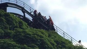 alton towers oblivion ride stops in mid-air