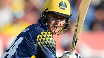T20 Blast: Miller debut 50 helps Glamorgan to win in Bristol