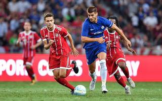 conte heaps praise on morata after debut against bayern