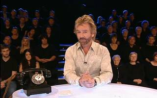Deal or no deal? Noel Edmonds is now demanding £300m from Lloyds over HBOS