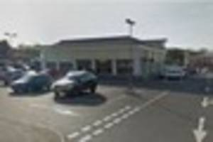 harlow ee shop in queensgate centre robbed of phones and cash