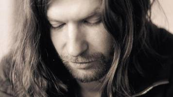 go behind the scenes on an aphex twin track