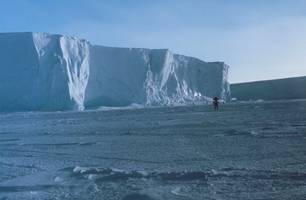 scientists wary new crack of larsen c ice shelf will challenge stability of remaining ice