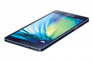 Samsung Galaxy A5 – 5-inch display and 5MP front camera
