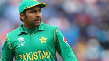 Sarfraz Ahmed: Yorkshire sign Pakistan captain for T20 campaign
