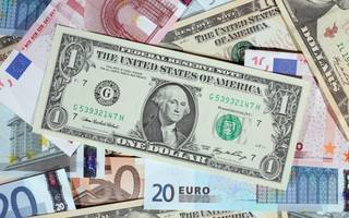 Political turmoil drives 10 per cent surge in London currency trades